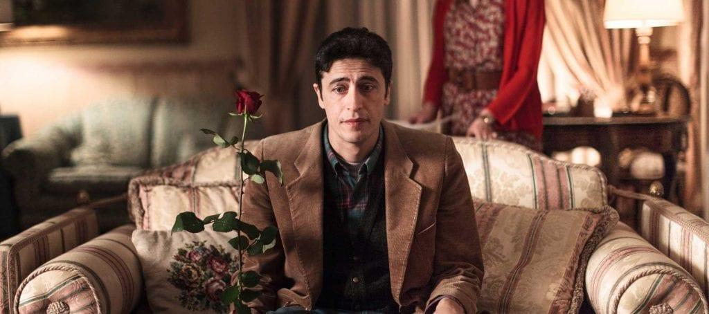 Director Pierfrancesco Diliberto also stars as Arturo.