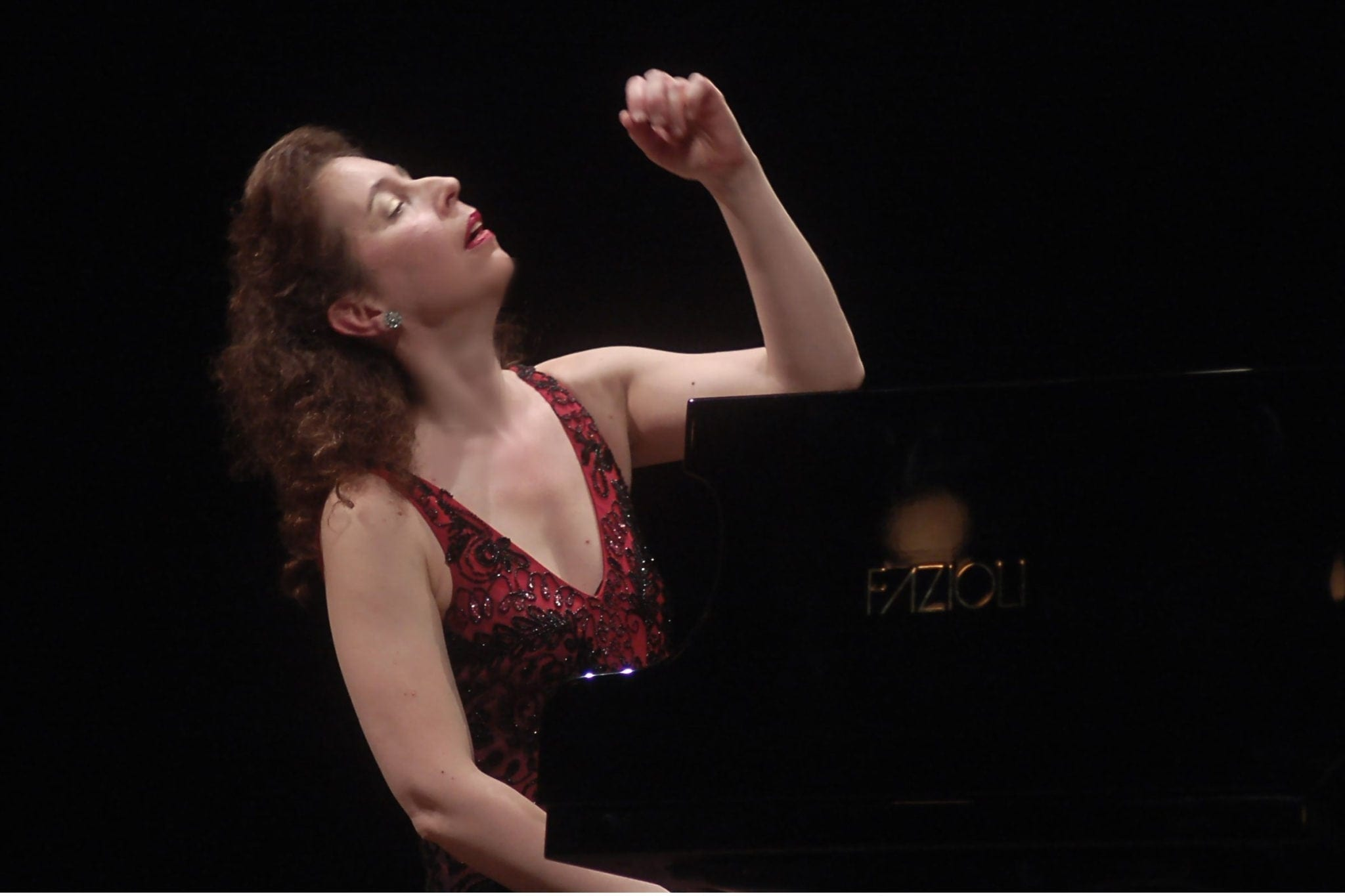 """Angela Hewitt expressively plays """"Hans"""" at Spivey Hall. (Photo by Maria Teresa de Luca)"""