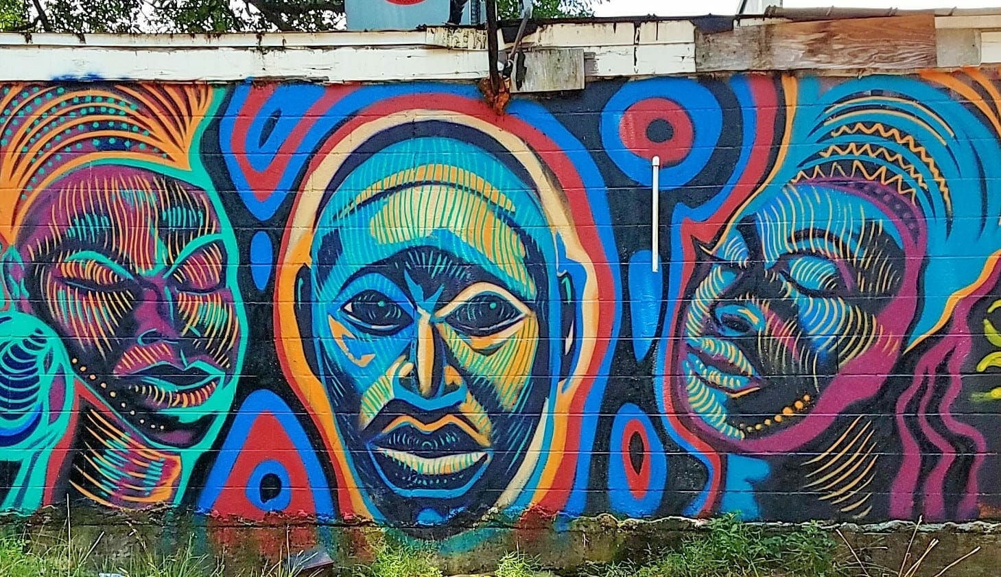 Today in street art: You'll see Africa in Corey Barksdale's lines, colors -  ARTS ATL