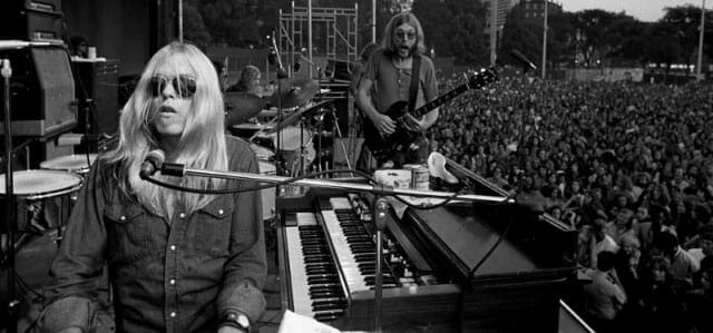 Gregg Allmän with his brother, Duane, performing in 1971 with the Allman Brothers Band.