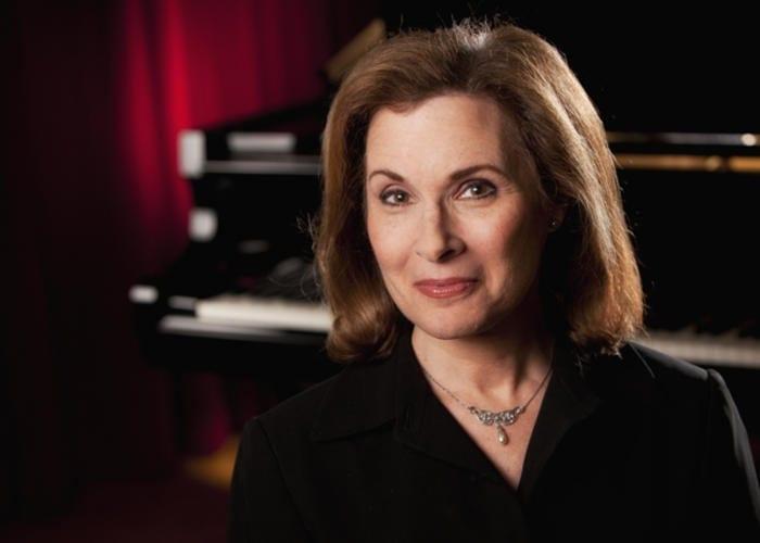A portrait of WABE's Lois Reitzes
