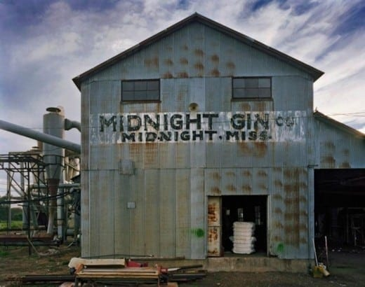Andrew Moore: Midnight Gin, Midnight, Mississippi, 2014.