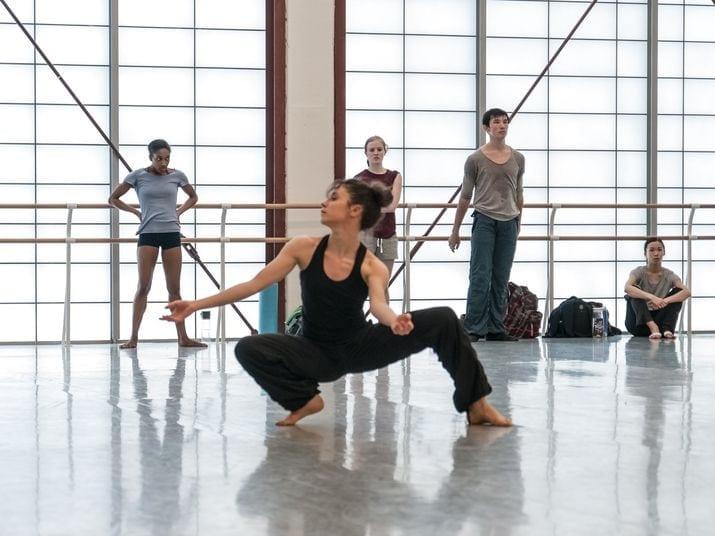 Mara in rehearsal.