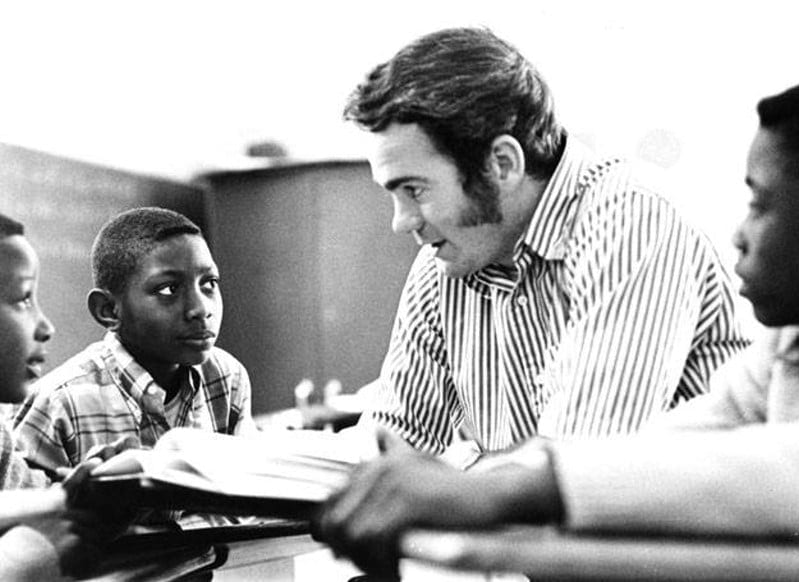 Pat Conroy teaching on Yamacraw Island.
