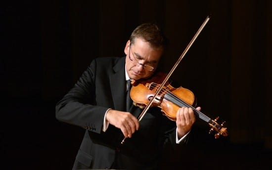 Robert McDuffie Brahms Sonata Photo by Greg Mooney (cropped)-0