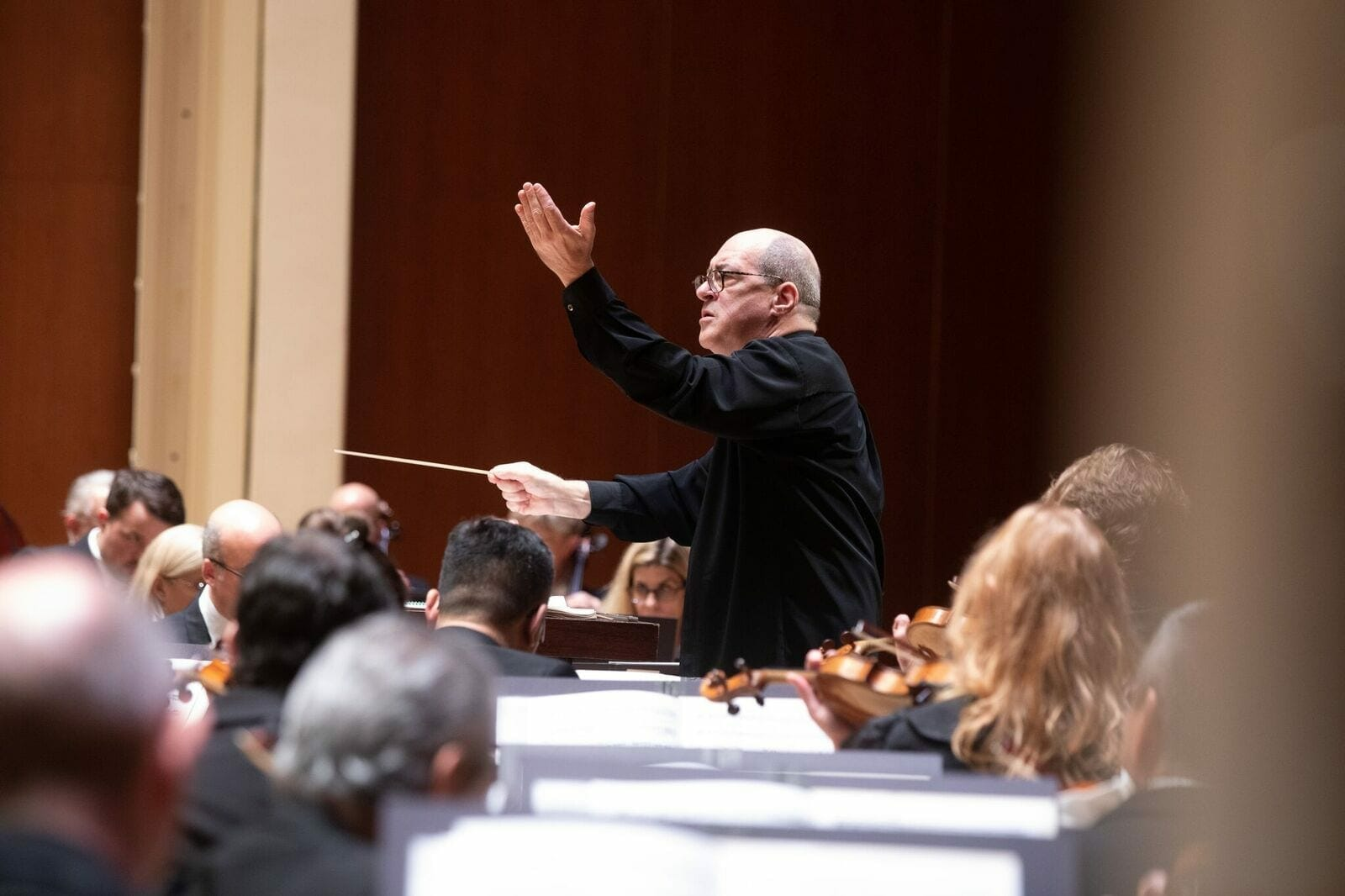ASO Music Director Robert Spano conducts the orchestra.