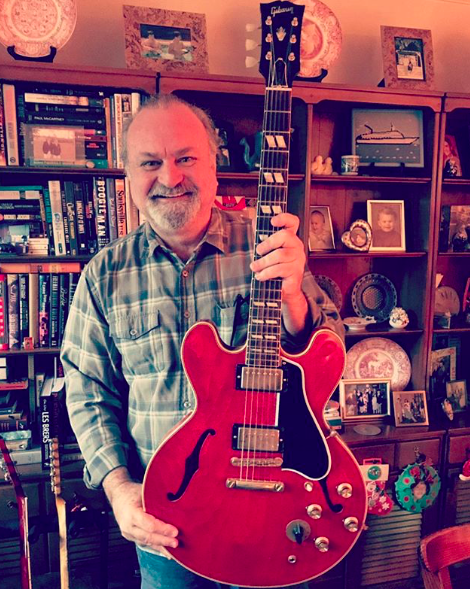 Tinsley Ellis with his Gibson 345 Freddie King model guitar.