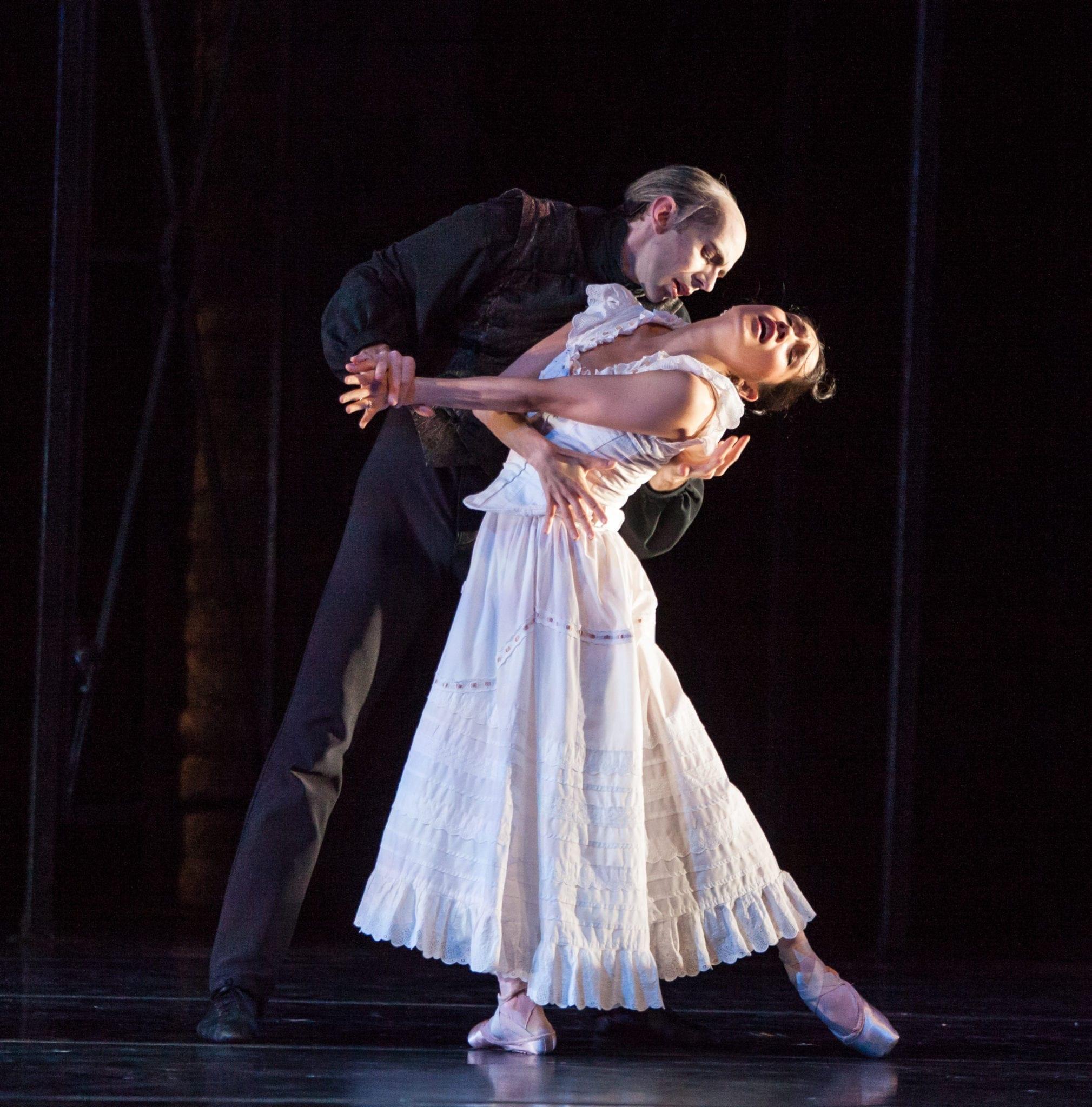 """John Welker and Rachel Van Buskirk in """"Dracula."""""""