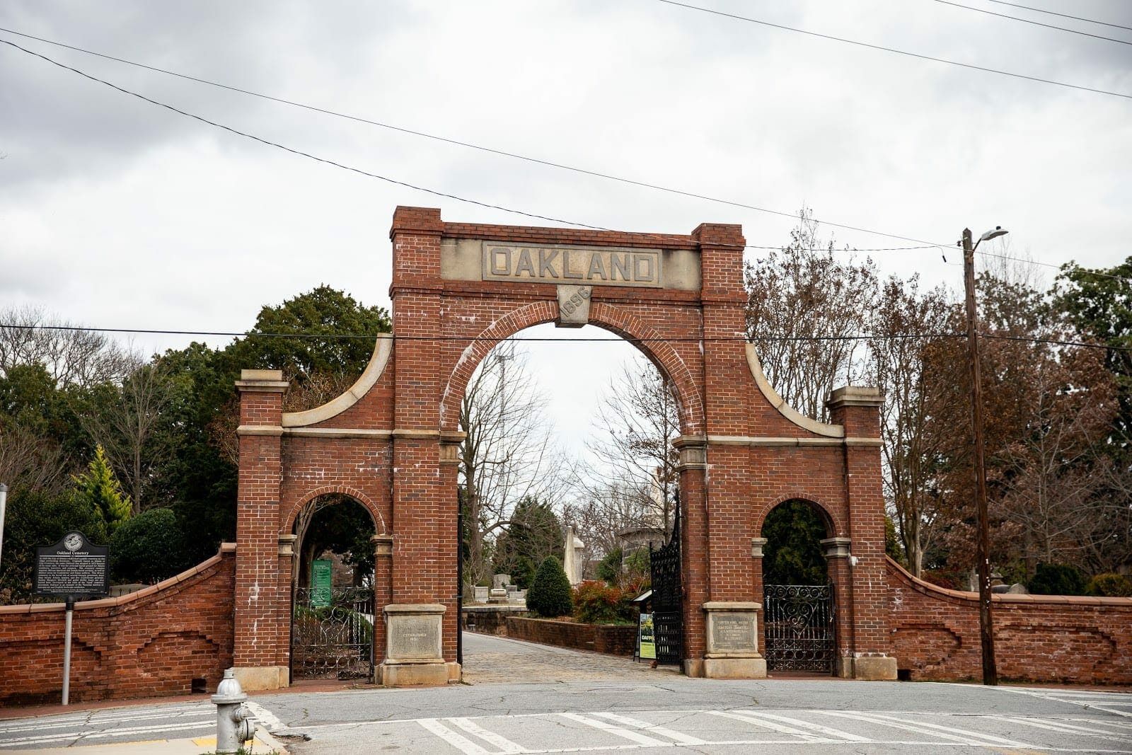 The entrance to Oakland Cemetery.