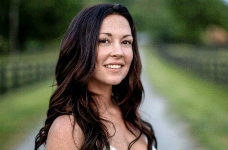 Singer/songwriter Amanda Shires