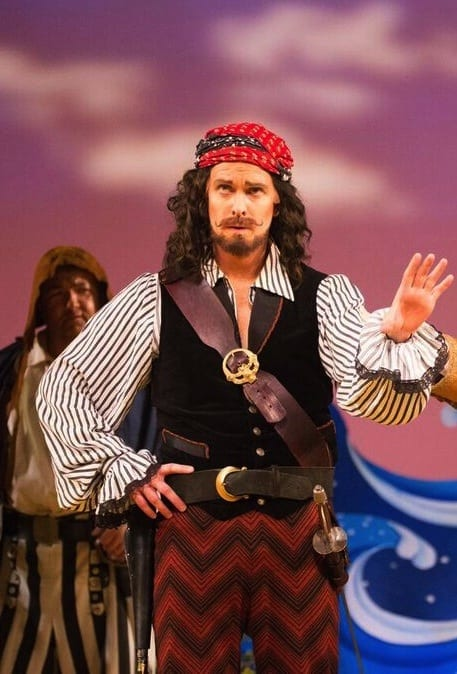 Kevin Burdette brings a Johnny Depp vibe to the role of The Pirate King.