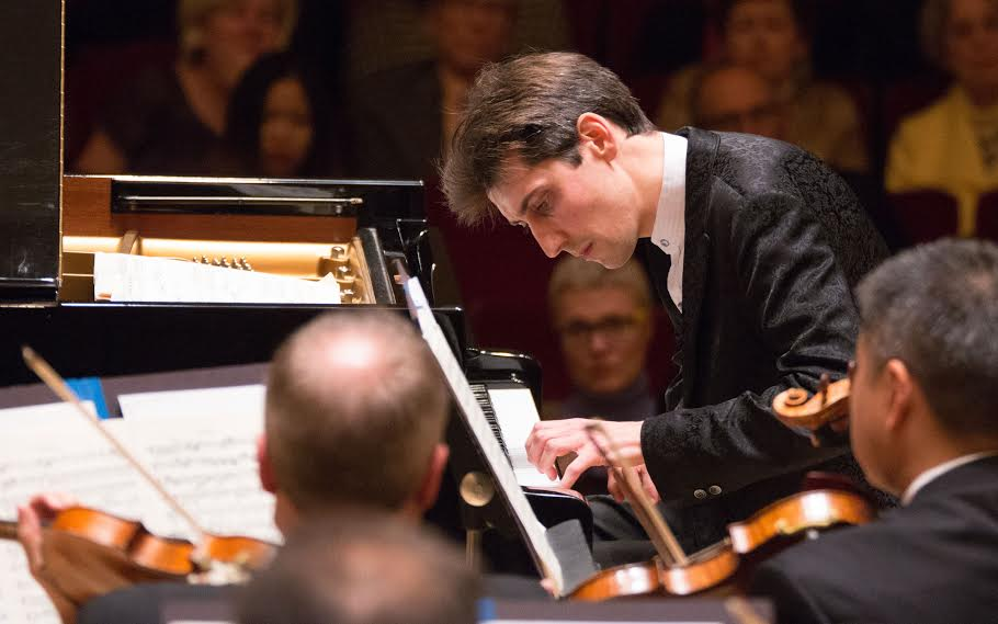 Guest artist Yevgeny Sudbin found his footing on a Beethoven piano concerto.