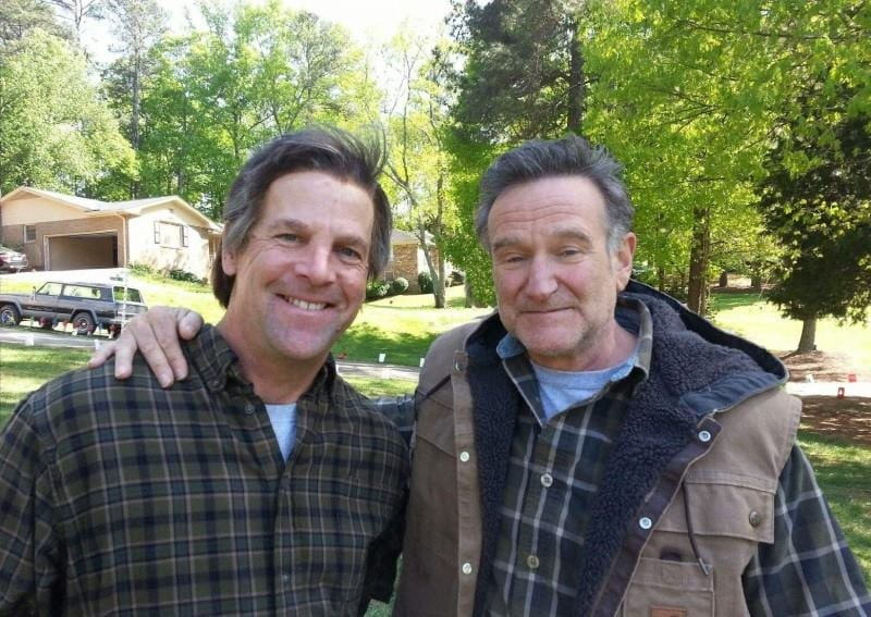 Cal Johnson with Robin Williams on the set of A Merry Friggin' Christmas.